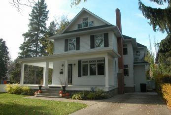 2010 Heritage Building Award, 221 Poplar Crescent West Character Home Renovation and Addition